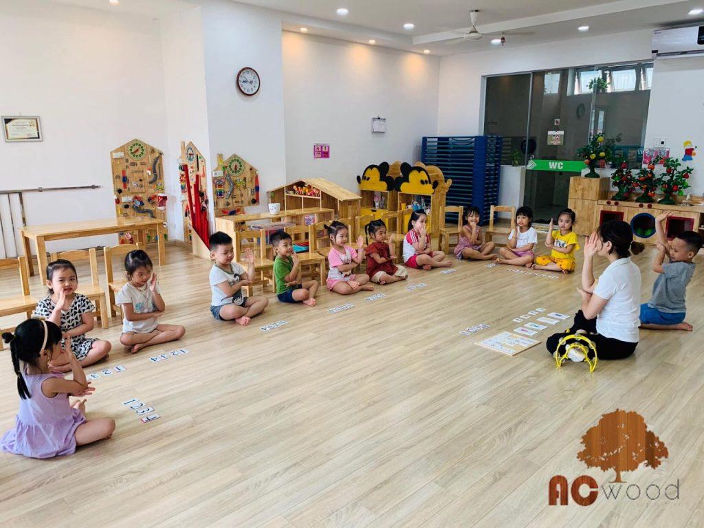 Chọn sàn gỗ cho trường mần non